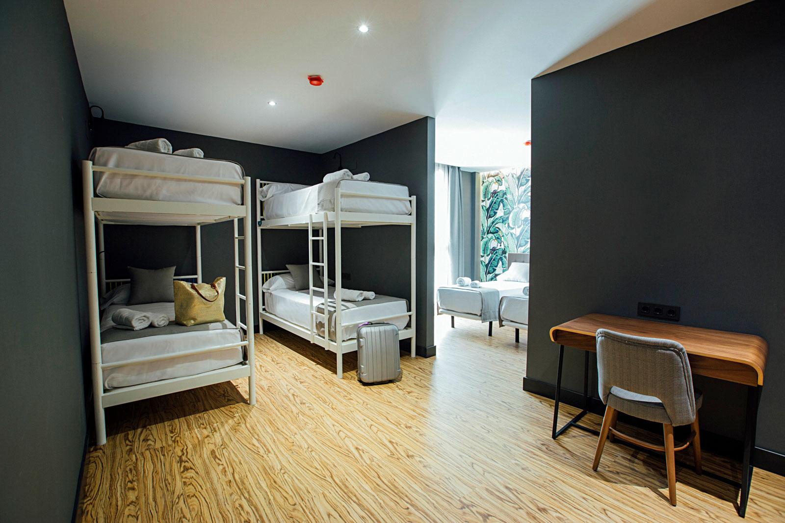 Hotel boutique habitaciones para grupos en m laga premium for Hotel malaga premium