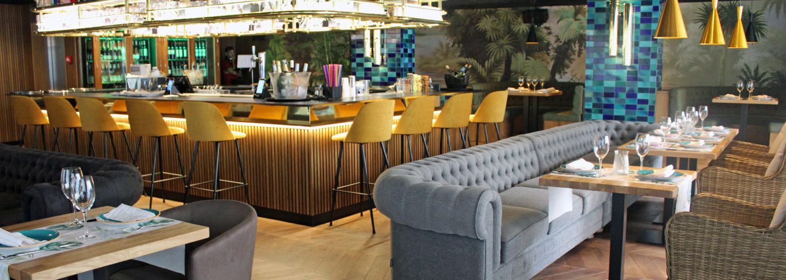 Yub una vuelta al mundo para los sentidos seg n m laga for Hotel malaga premium