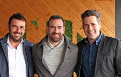 Carlos Cabezas con los socios del Grupo Premium