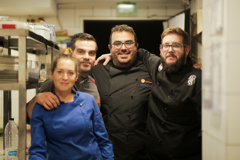 Roberto Nieves (chef propietario de food and famous), Antonia Ortega (jefa de cocina de la Milla de Marbella), Daniel Guerrero (sumiller), Javier Campos y Mario Rosado (jefe de cocina y chef ejecutivo de Yubá y Bendito).